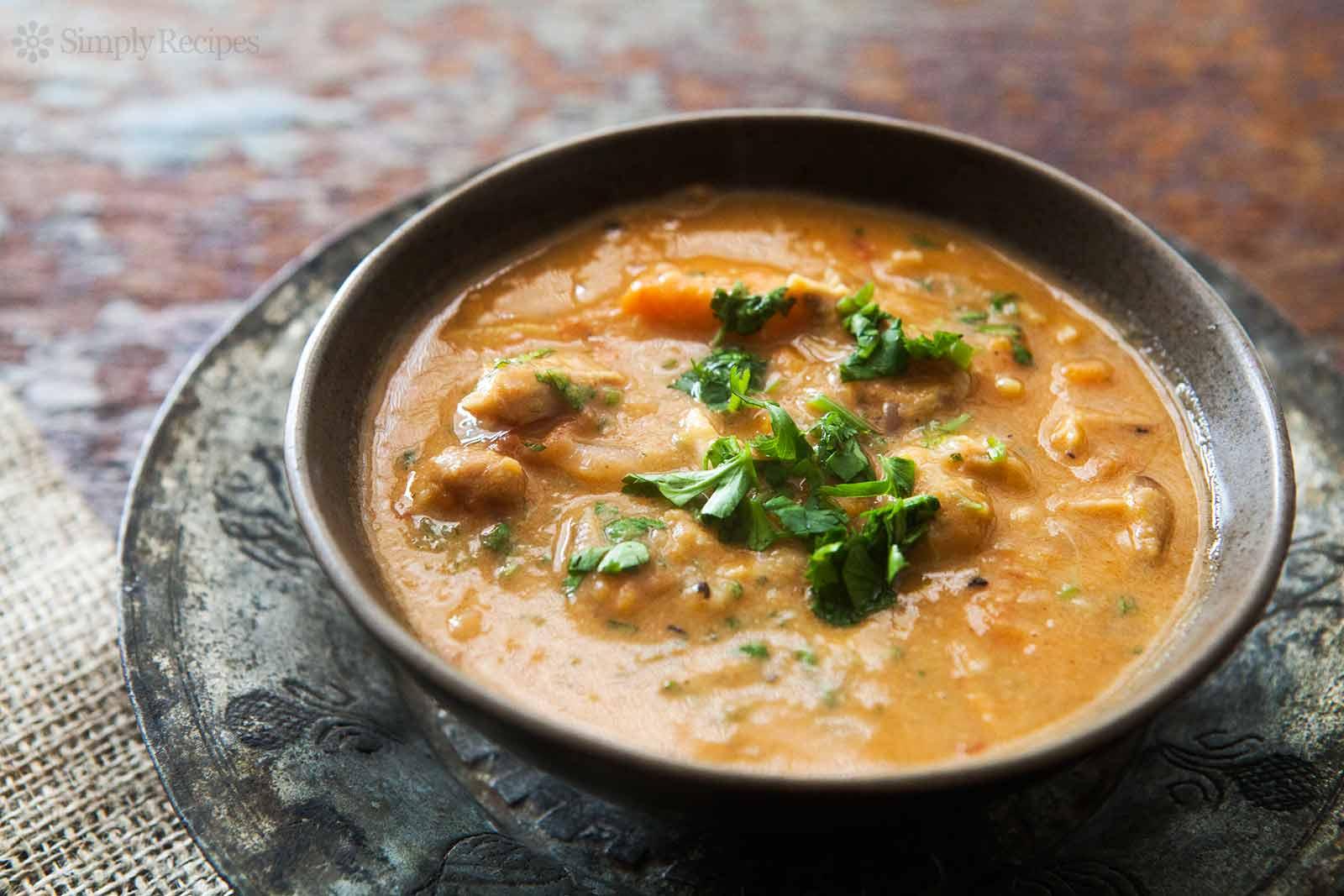 african-chicken-peanut-stew-horiz-b-1600.jpg