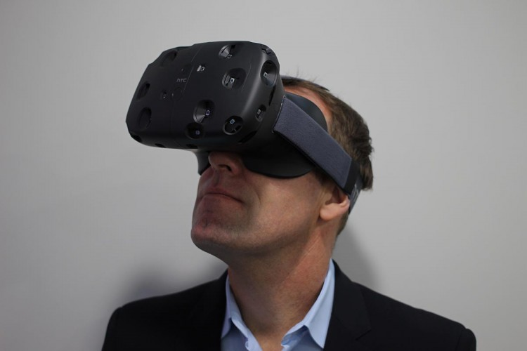 HTC Vive  vs Samsung Gear VR