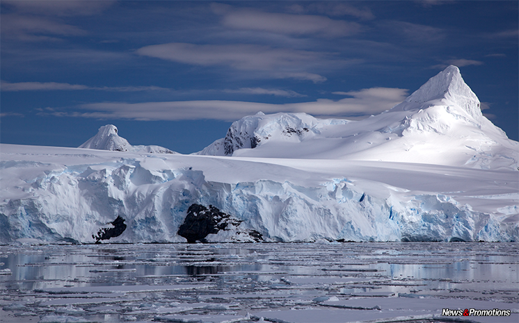 antartica-glacier-shelf
