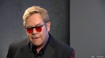 Elton John to retire from his music career in 2017